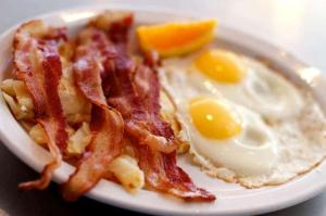Bacon-and-Egg-Breakfast